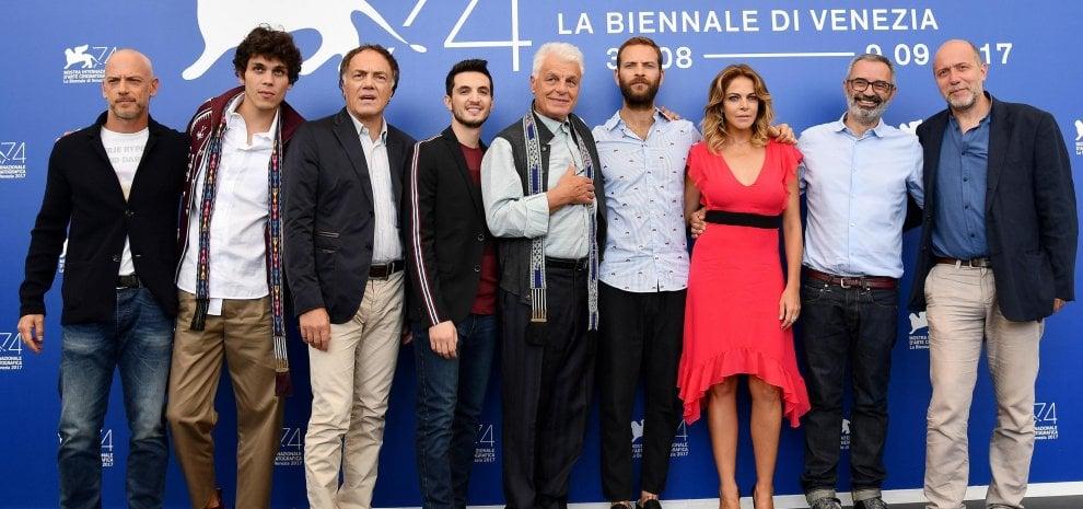 "Netflix a Venezia porta la Roma criminale di ""Suburra"""