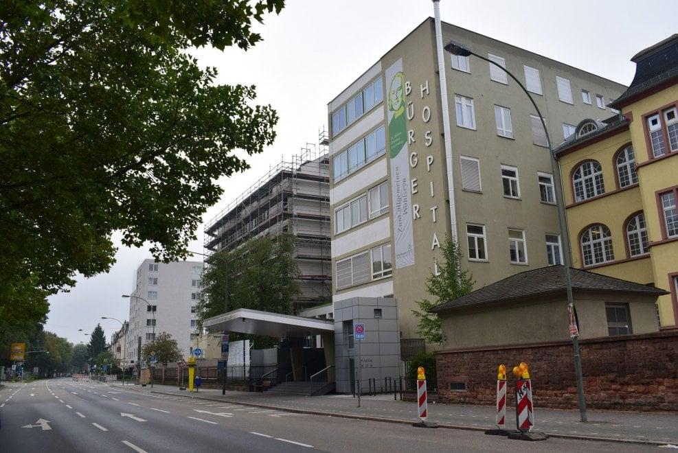 Francoforte spettrale: 60mila evacuati per una bomba della seconda guerra mondiale inesplosa