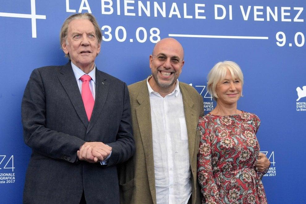 Donald Sutherland e Helen Mirren, a Venezia la coppia in fuga nel film di Virzì