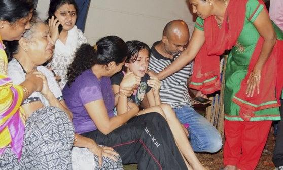 India: uccisa da killer sotto casa la giornalista che si batteva contro caste e integralismo