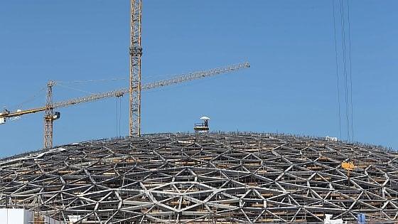 Louvre Abu Dhabi. Pronto il tempio della cultura, sfiderà il deserto