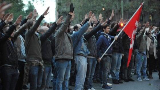 """Forza Nuova, Raggi: """"La Marcia su Roma non deve ripetersi"""". Insorge la sinistra. Tace il centrodestra"""