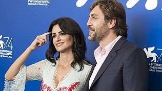 Un'altra coppia a Venezia: Javier Bardem è Pablo Escobar, Penelope Cruz l'amante tradita dans actualités fr 210926407-367c936d-9abd-43bf-a51e-e0c868948257