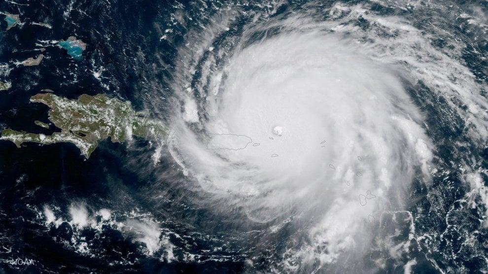 Piogge e venti fino a 295 chilometri orari: i Caraibi affrontano l'uragano Irma