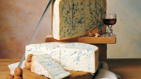 Niente formaggi, siamo cinesi: Pechino vieta l'importazione di Gorgonzola e Taleggio