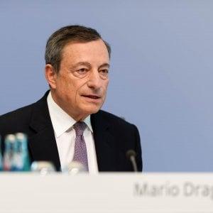 Draghi tiene botta ai falchi e rimanda la stretta sul Qe per non strozzare l'inflazione