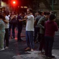 Terremoto nella notte, paura a Città del Messico: la gente scende in strada