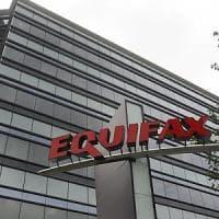 Usa: hacker attaccano Equifax, a rischio dati 143 mln persone