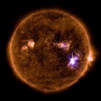 Tempesta magnetica dopo la più forte eruzione solare degli ultimi 11 anni. E stasera ne...