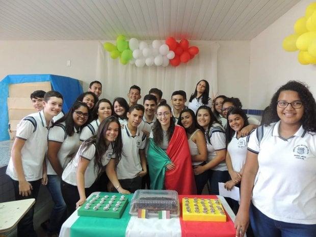 Intercultura, le foto degli alunni italiani nelle loro nuove scuole all'estero