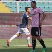 Serie B, l'Empoli beffa il Palermo nel recupero. Carpi da solo in vetta, colpo Venezia a Bari