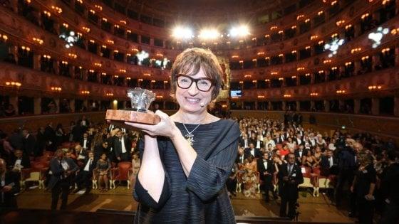 """Campiello: vince Donatella Di Pietrantonio con """"L'Arminuta"""""""