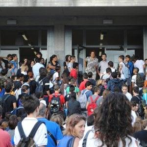 7,7 milioni di studenti, 800mila prof, 370mila classi e mille problemi aperti: che la scuola cominci