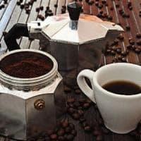Quattro tazzine al giorno?  Uno studio riabilita il caffè