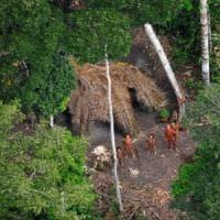 Brasile, tribù dell'Amazzonia minacciate dall'oro. La denuncia: ''Uccisi 10 indigeni''