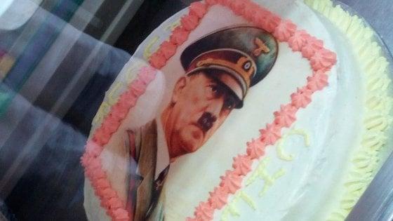"""Maratea, sulla torta c'è Hitler. Il pasticciere: """"Un cliente l'ha voluta così"""""""
