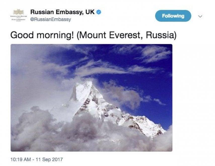 """Gb, gaffe dell'ambasciata russa: """"Il Monte Everest è nostro"""""""
