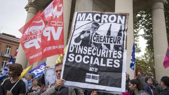 Francia, manifestazioni e scioperi contro la legge sul lavoro di Macron