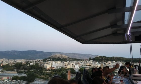 Non solo Partenone: tre giorni ad Atene tra mercati, taverne e street food
