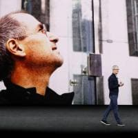 Apple svela l'iPhone X, lo smartphone del decennale. Il keynote in diretta