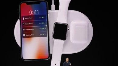 Apple svela l'iPhone X, lo smartphone del decennale ti riconosce. E il Watch diventa autonomo