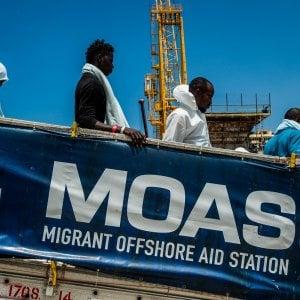 Immigrati, cresce la paura: il 46% si sente in pericolo. E' il dato più alto da dieci anni