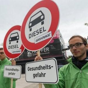 Auto, i costruttori Ue chiedono di rinviare i tagli alle emissioni
