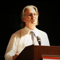 Bruce Sterling: ''E' il successo che frena l'innovazione della Apple''