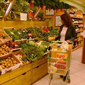 Istat, ad agosto l'inflazione risale a +1,2%