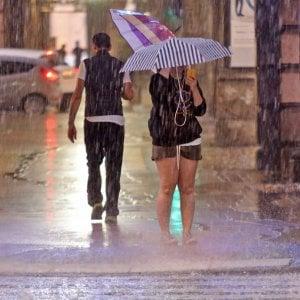 Meteo, arriva il maltempo: piogge e primi freddi