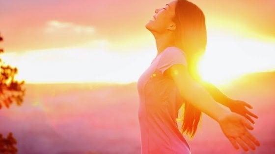 Dieci mosse mattutine per una giornata piena di energia