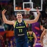 Basket, Europei: la Slovenia travolge la Spagna e vola in finale