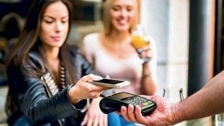 Banconote addio, largo al digitale si accende la sfida tra i colossi del web