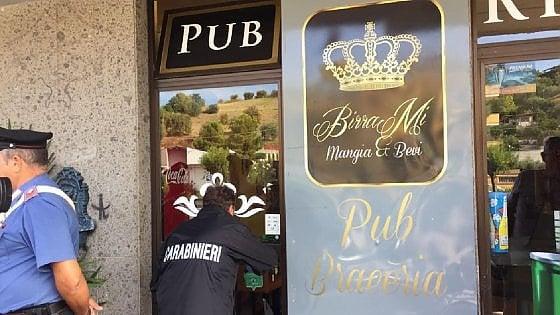 Buongiornolink - Pescara, entra in un pub e uccide un 21enne. E' caccia all'uom
