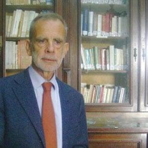 """La svolta di Mister italiano: """"Dalle medie alla maturità meno temi e più riassunti"""""""