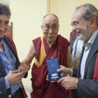 """Dalai Lama, laurea honoris causa a Pisa: """"Le emozioni che fanno guarire"""""""