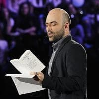 """La provocazione di Roberto Saviano: """"Mi candido a premier per i 5 Stelle"""""""