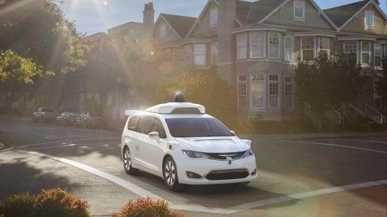Intel e Waymo (Google). Accordo per sviluppare la guida autonoma