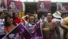 Aung San Suu Kyi rompe il silenzio: