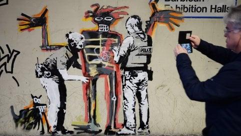 Londra, Banksy omaggia Basquiat con due nuovi murales