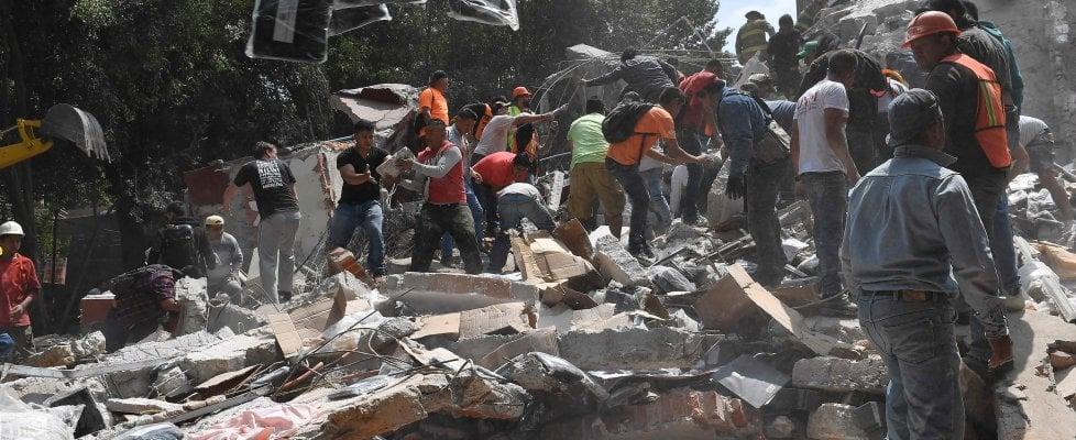 Messico, terremoto di magnitudo 7,1. Si temono centinaia di vittime sotto le macerie dei palazzi