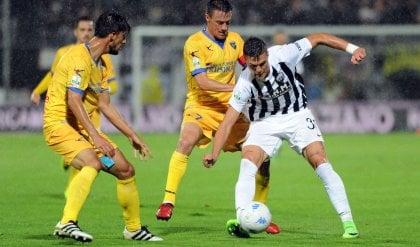 Frosinone solo al comando Sconfitte per Perugia e Carpi