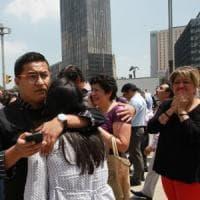 Messico, oltre duecento morti per il terremoto. Strage nella scuola, 4 milioni
