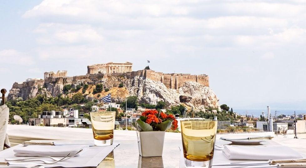 Non solo Partenone:  tre giorni ad Atene tra mercati  taverne e street food