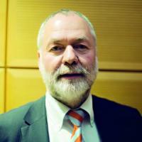 """L'ex dissidente Markus Meckel: """"Moltissimi tedeschi dell'Est si sentono traditi da Merkel"""""""