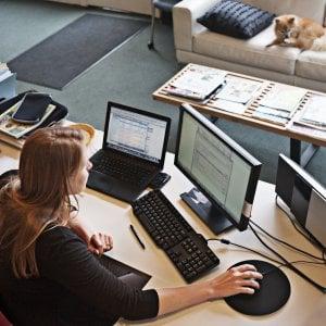 Lavorare all'estero, il vademecum delle Entrate per essere in regola con il Fisco