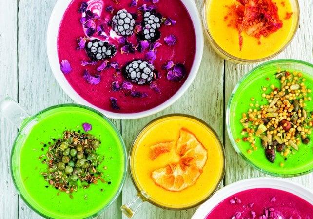 Altro che piatto della nonna, ecco la nuova vita delle zuppe: colorate e supernutrienti