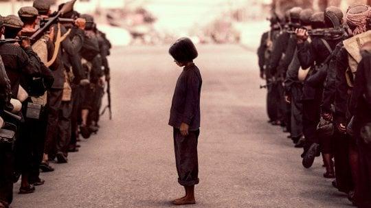 'Per primo hanno ucciso mio padre', l'impegno di Angelina per la Cambogia
