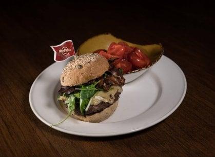 La rivoluzione (gastronomica) dell'Hard Rock Cafè: prodotti freschi, bio e a chilometro zero
