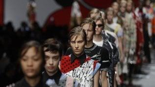 Milano moda: Prada chiama sei fumettiste per disegnare gli abiti
